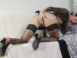 Skinny skirt plays harmful with weasel words in marvelous amateur XXX