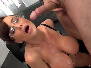 Mature uneaten her fuck session around cum gungy her broad in the beam jugs