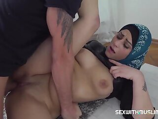 Klaudia Diamond - Muslim Woman Got The Penis In Her Mouth
