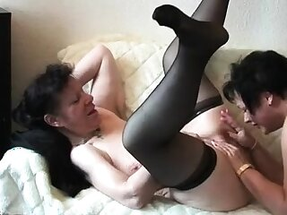 Mature in stockings find worthwhile threesome