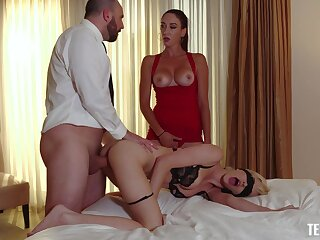 Fabulous threeway pleasures be advisable for Artemisia Love together with Skye X