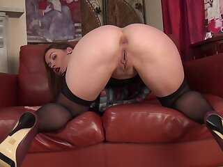 Small tits cougar Olga Cabaeva spreads say no to hooves to masturbate