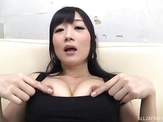 Seductive Japanese chick opens her paws to pleasure her cravings