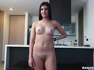 Amateur explicit Samanta Lopez takes off her jeans to be fucked good